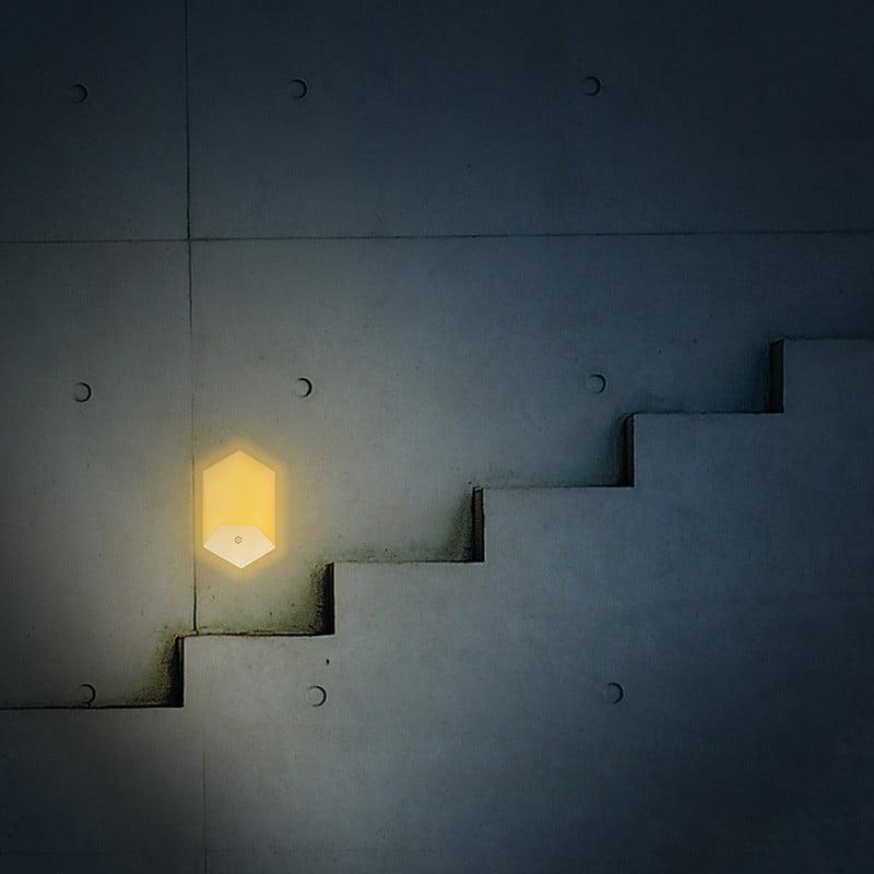 Lampa de veghe LED cu senzor de lumina, montare la priza, lumina calda 9